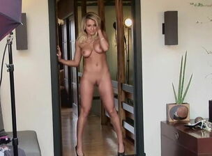 Teen nude pussy